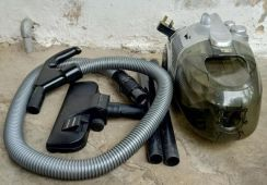 EMPRESS Vacuum Cleaner