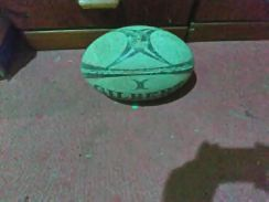 Bola Rugby yg ingin dilepaskan