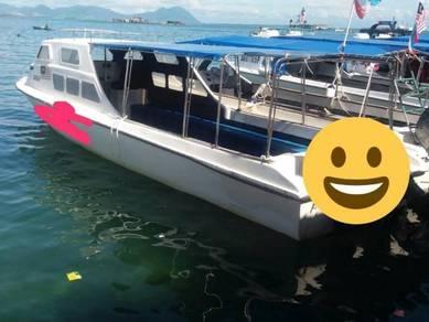 Fibreglass boat bot body