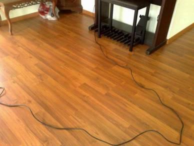 Timber Laminate Flooring / Lantai Kayu Lamina- A21