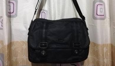 Sling bag lecaf