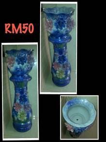 Ceramic flower stand