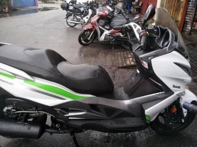 Kawasaki j300 super scooter (best bike)