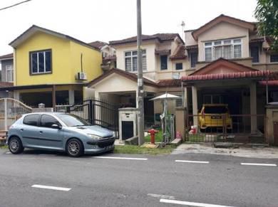 Below Market Depan Padang Bandar Tasik Puteri Blok 14