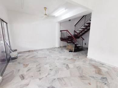 NEWLY PAINTED 2 Storey Terrace House Jalan Merak Bandar Puchong Jaya