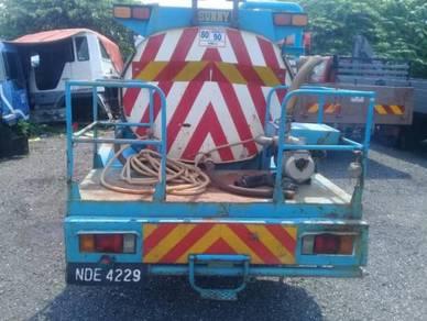 Lorry tanki