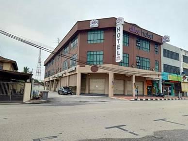 Ground Floor Corner Shoplot Muar For Rent