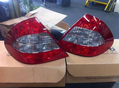 Mercedes Benz E Class W211 Tail Light Set 2007-08Y