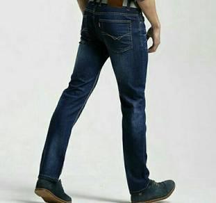 Men Straight Cut Loose Jeans. JJB000008