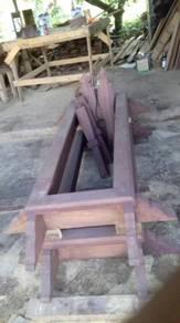 Kepok kubur kayu cengal