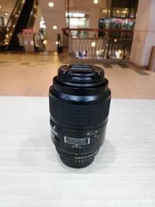 Nikon af 105mm f2.8d micro lens - 93% new