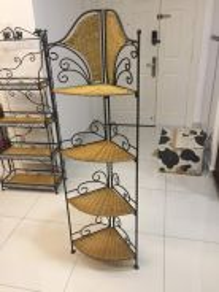 Fan shape 4 tier metal rattan display rack