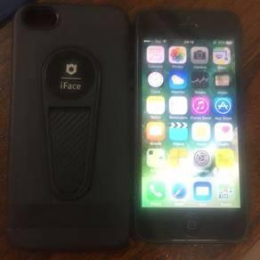 Iphone 5 16GB - Black ( Likee Neww)