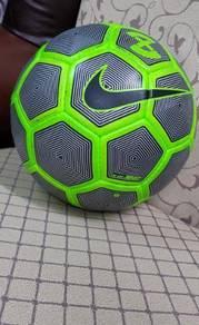 Bola sepak Nike Duro X REFLECT