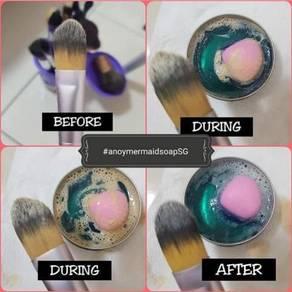 Anoy mermaid brush soap