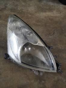 Right headlamp livina