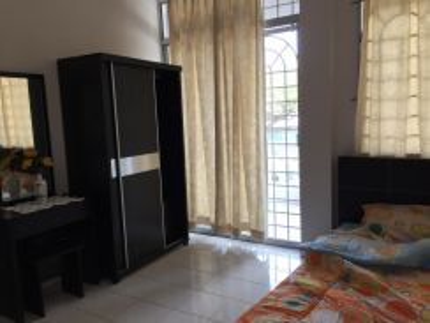 FULLY FURNISHED Batu Berendam Malim Cheng Ria 3R2B Walk Up Apartment