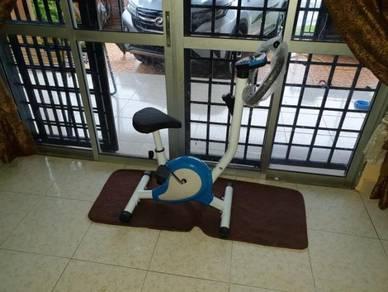 Basikal senaman exercise bike