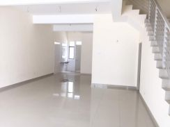 2 Storey House For Rent, Puchong, Lakeside Residence, Tesco, IOI mall