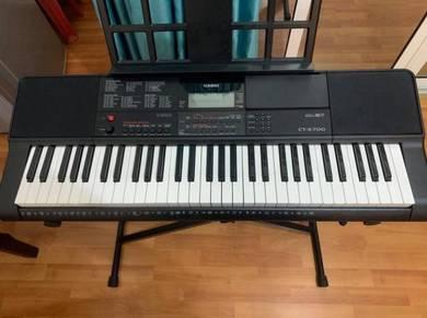 Casio CT-X700 61-Keys Portable Keyboard