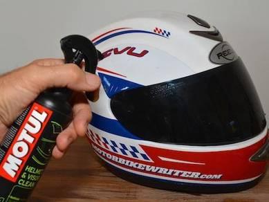 Motul M1 Helmet & Visor Cleaner 250ml