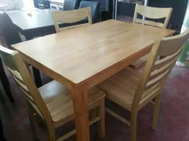 meja makan,solid kayu