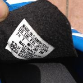 Futsal shoes adidas 3 stripes