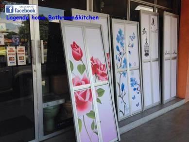 Bi-fold door/pintu bilik air