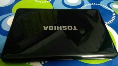 Toshiba Satellite PRo. lIKE NEW i5