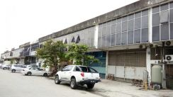 1.5 Sty Light Industrial Link Factory, Taman Klang Utama, Renovated