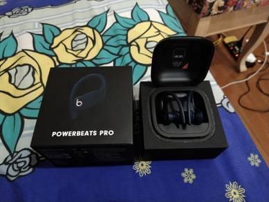 Powerbeats Pro Like New