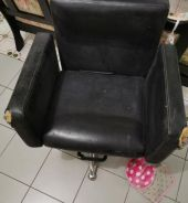 Hair salon chair ( second hand) self pick up