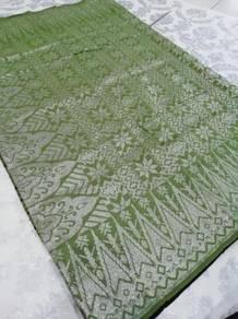 Sampin tunang hijau lumut sulam silver