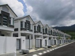 [ 4 car parks, 40k Cash Back ] 2 Storey House 24'x75' LAST TWO UNIT