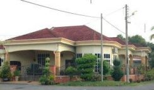 Rumah setingkat corner lot , fully renovated