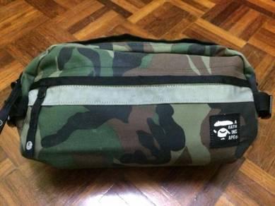 A bathing ape pouch bag