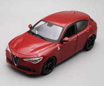 Stelvio 1:24 Red 18cm diecast car toy