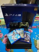 PS4 PRO 1TB(4K HDR) 2 controller, 3 cd games