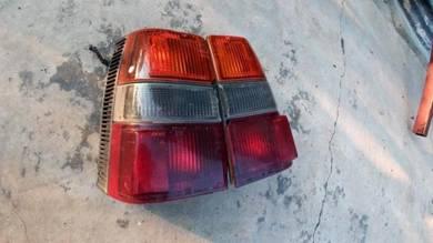 Lampu belakang nissan sunny wagon rear tail b11
