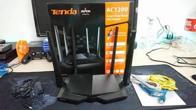 Used Tenda AC6-AC1200 Router Malaysia Ver Unifi