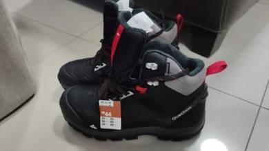 Brand new Quecha hiking shoes