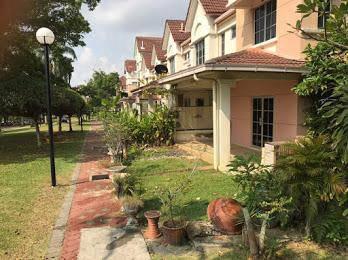 CORNER HUGE LAND 2.5 Storey House Presint 8 Putrajaya