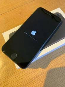 Black Apple iphone 7