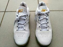 Underarmour curry 1 low