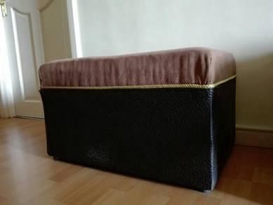 Thick cushion stool