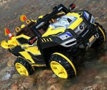 Kids sand eletrcik jeep yellow
