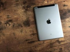THE NEW 2017 IPAD 9.7 GREY 4G cellular 32GB APPLE