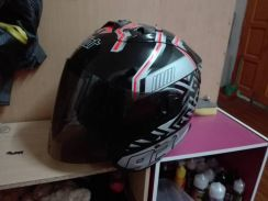 Helmet Dan stand