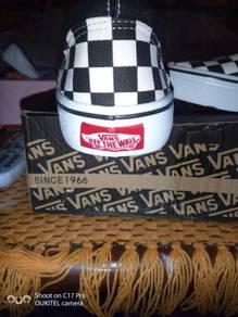 Vans checkboard saiz 43