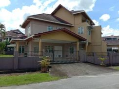Two and Half Storey Semi Detached House For Sale!